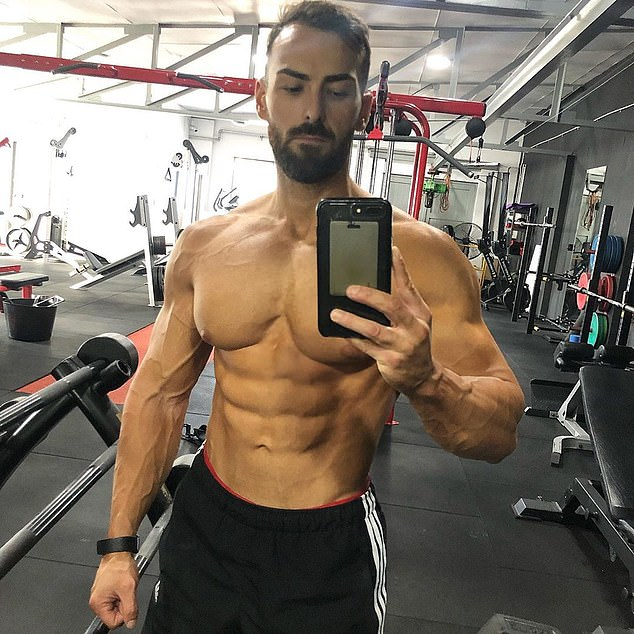 Bodybuilder Claims He Is Stronger After Adopting A Vegan Diet Bodybuilding Vegan Diet Vegan Athletes