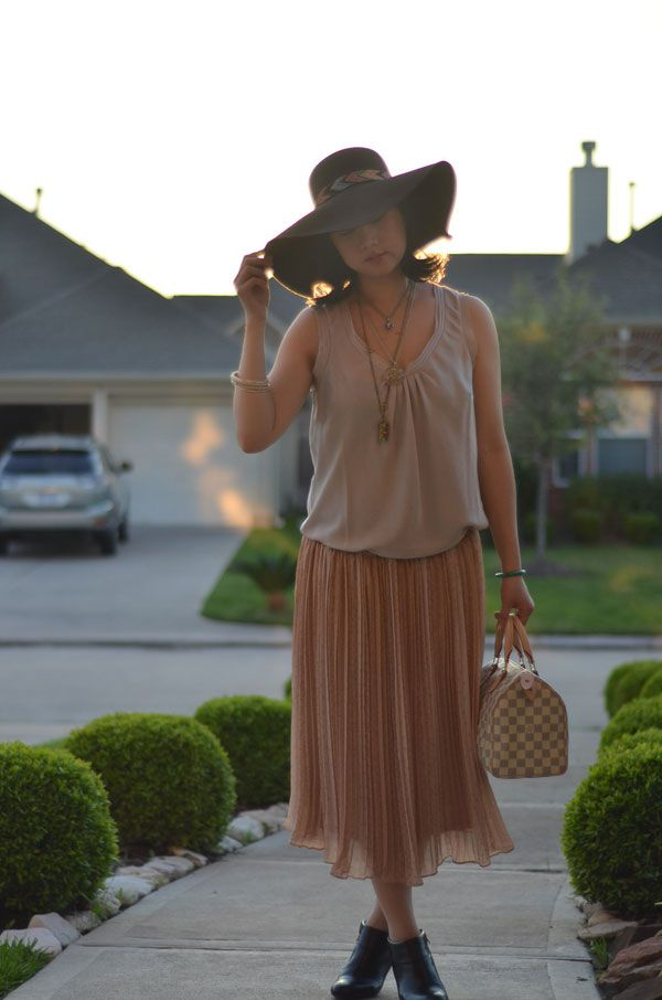 Floppy Hat with a Bohemian Sunset Outfit