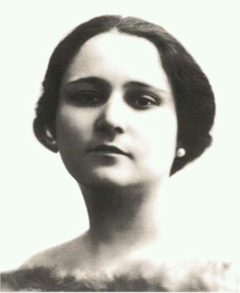 Rosetta Pampanini With Images Opera Singers Sopranos