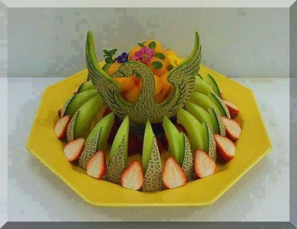 Decorazioni Buffet Frutta : Pin di evelyn rabsatt su arte culinario pinterest frutta e