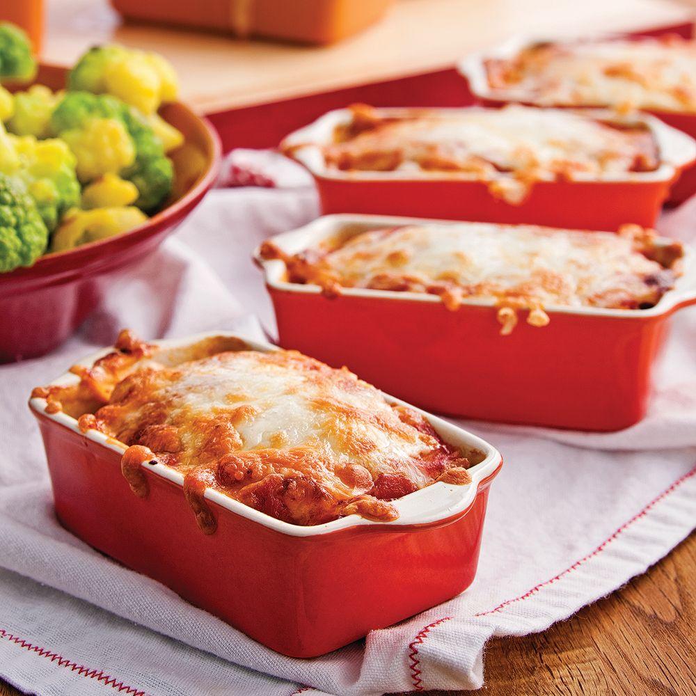 Quoi de plus délicieux qu'un bon pain de viande? Ajoutez-y du fromage à gratiner et obtenez un plat au summum du réconfort!