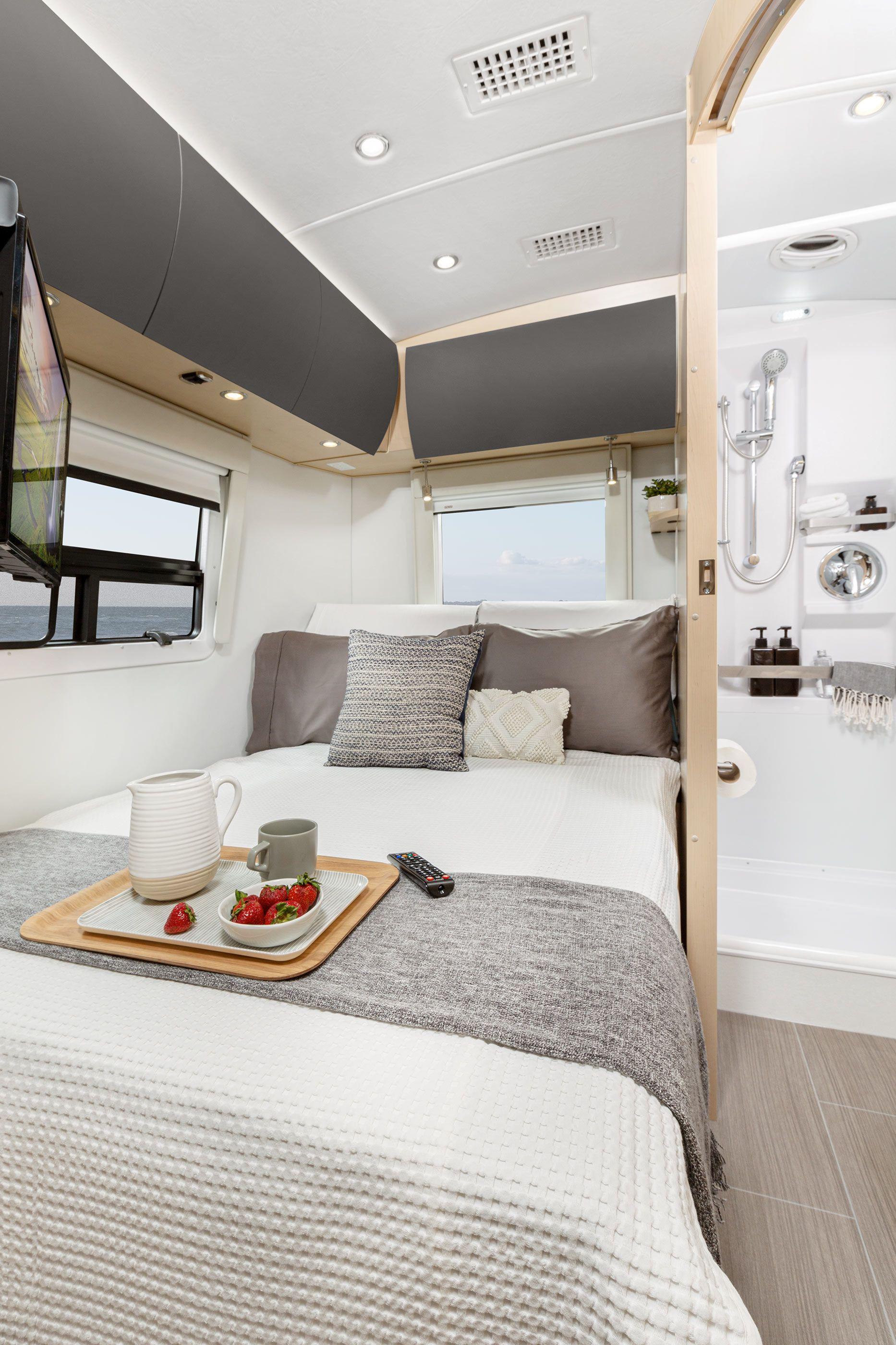 Serenity Photo Gallery in 2020 Leisure travel vans