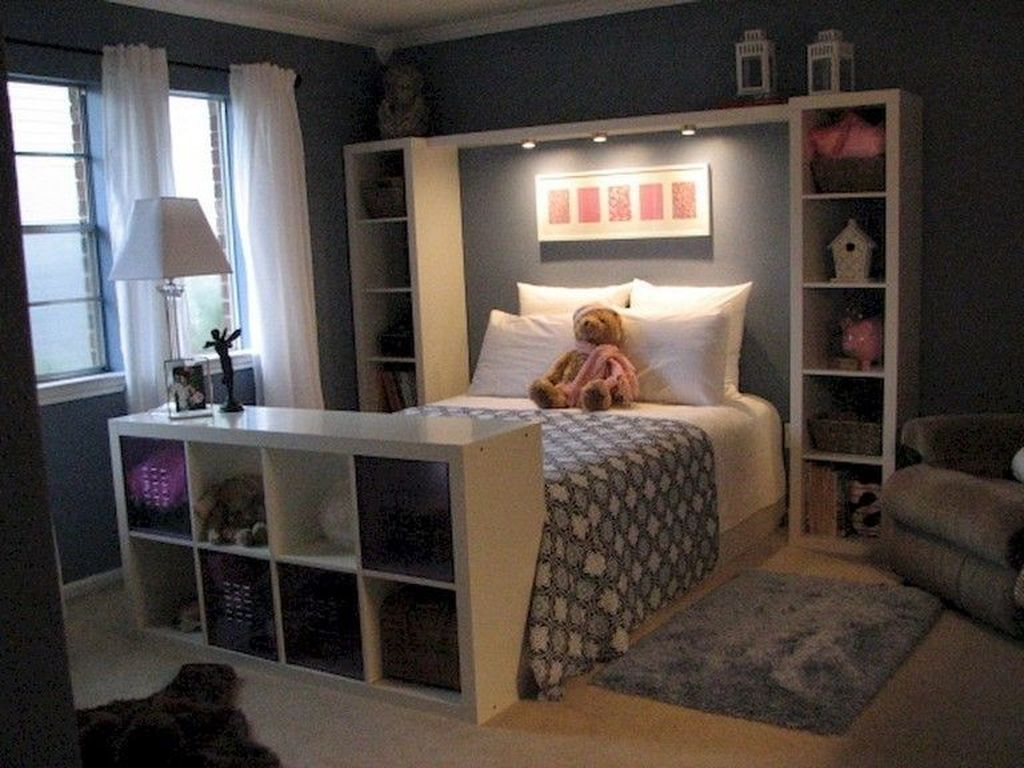 30 Inexpensive Bedroom Organization Ideas On A Budget Image 4 Of 50 Bedroomorganizationideas Small Space Bedroom Small Master Bedroom Small Room Bedroom
