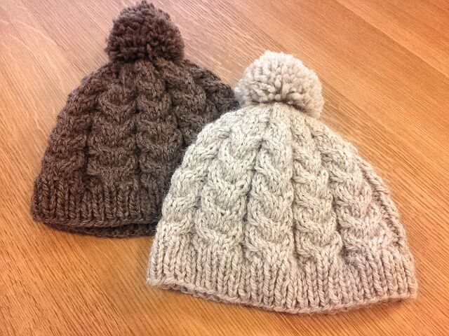 ニット 棒針 編み 大人 帽子 方 の の ニット帽の編み方を解説!おしゃれな帽子を簡単に100均材料で編むには?