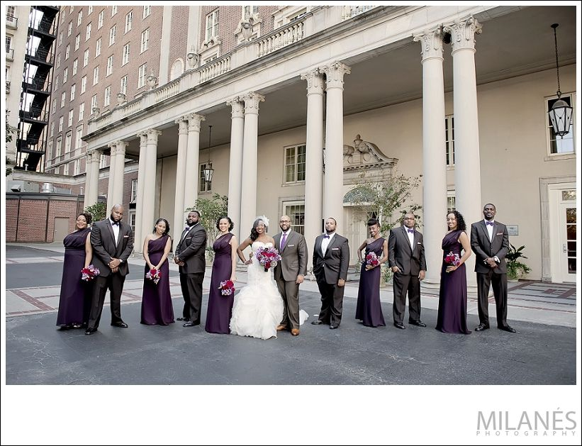 wedding_party_bride_groom_bridesmaids_groomsmen_white_purple_red_outside_beautiful_creative_modern_ideas