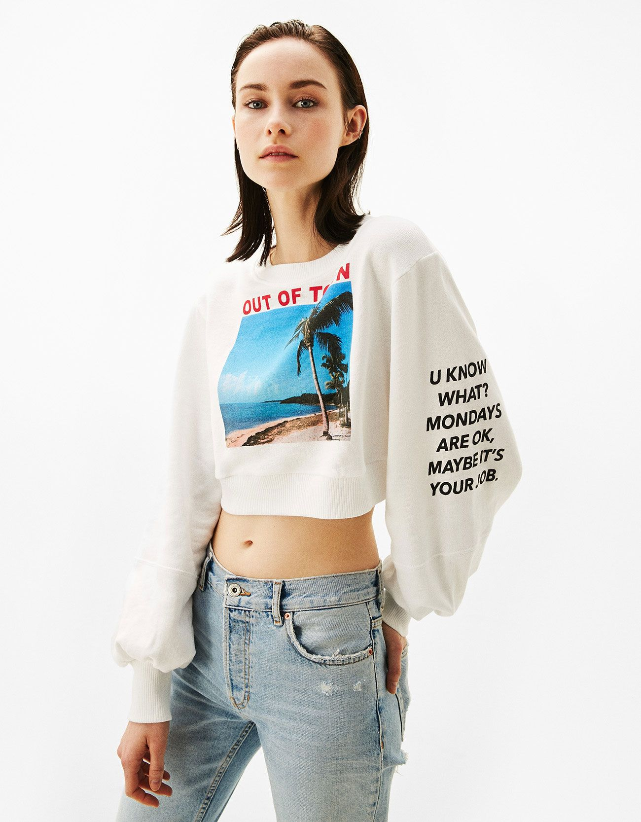 aa3fa7ef24 Printed cropped sweatshirt with full sleeves. - Sweatshirts - Bershka  United Kingdom