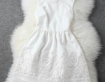 Floral Embroidery Sleeveless Bodyco..