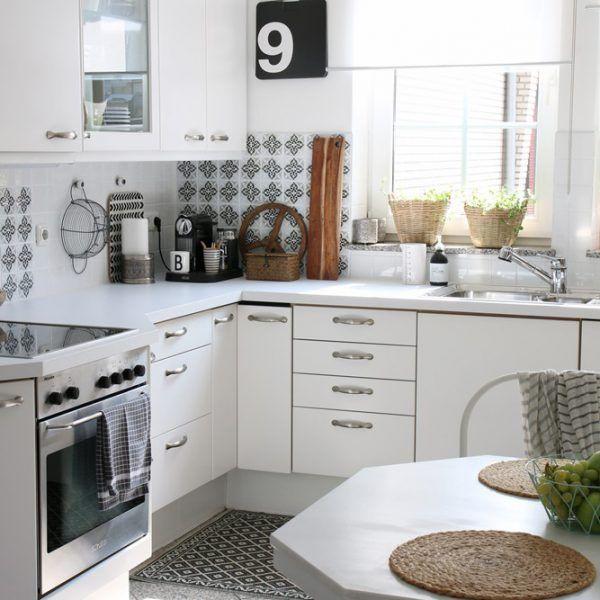 Weiße Küchen mit Holzarbeitsplatten | Küchen streichen ...