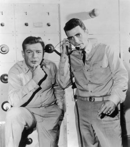 Still of Richard Basehart and David Hedison in Voyage to the Bottom of the Sea