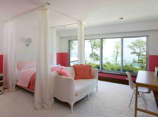 Doppelbett rosa rote weiße Wände Schlafzimmer Pinterest