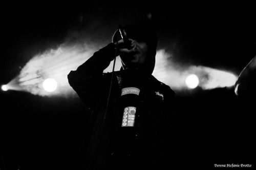 @PHAZEWHAT  WU BLOCK AT THE GARAGE 15/1/13  PHOTO BY VERENA STEFANIE…SEE THE REST HERE