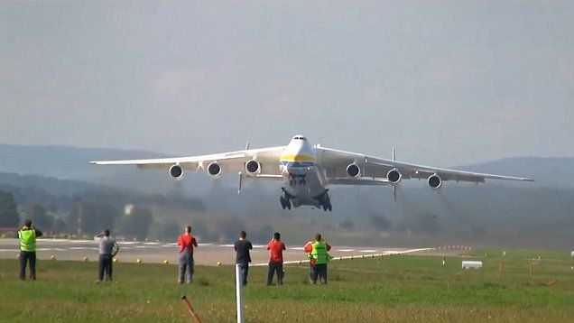 World S Largest Plane Antonov Is Set To Land In Perth Aircraft
