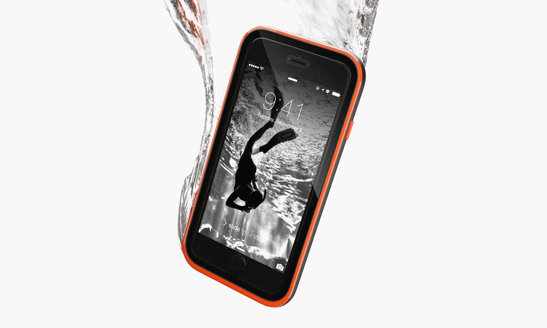 Ben je vaak in de buurt van water, bescherm dat je iPhone met deze waterproof iPhone-cases. Ze zijn waterbestendig of zelfs geschikt om mee te duiken.