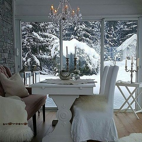 Ønsker dere en fin bitte lille julaften 🌲🌲 🌲  #willabgarden #hagestue #vinterhage #shabbyhomes #nordicinspiration #interiors #interiør #interior #decoration #levlandlig #landliv #levvakkert #countryliving #mynorwegianhome #finahem #classyinteriors #dream_interiors #mminterior #hem_inspiration #passion4interior #interior123#inspire_me_home_decor #interior4all #inspiration #inspirasjon #christmas #jul #winter