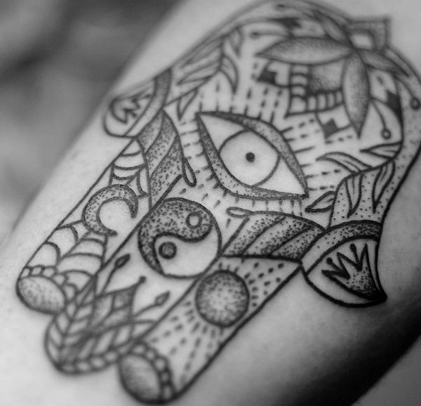 b6b33fba9 hamsa tatttoo with yin yang | Tattoo | Hamsa tattoo, Hamsa tattoo ...