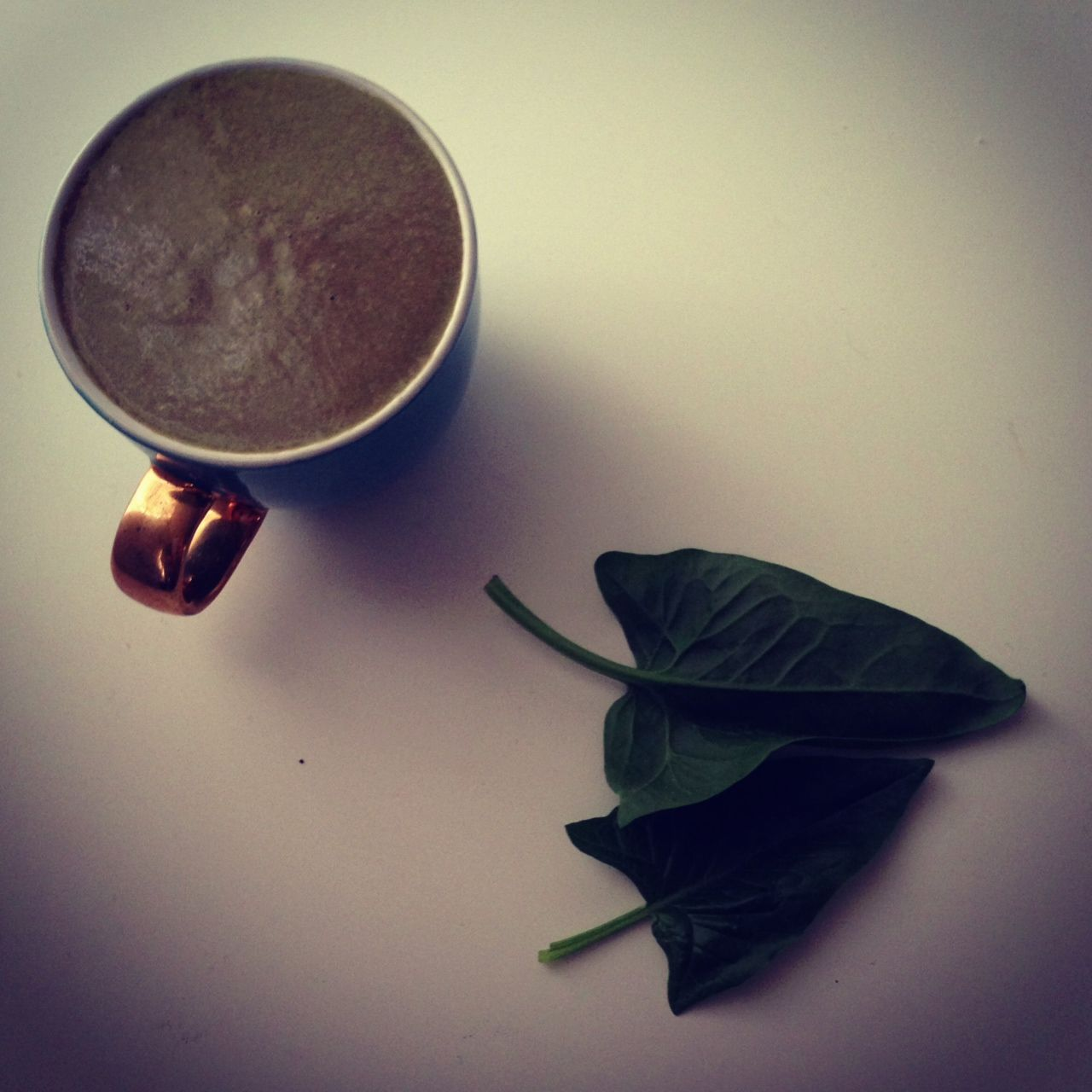 Spinach, Cacao, Cacao butter, Avocado, Walnut - pure indulgence smoothie.