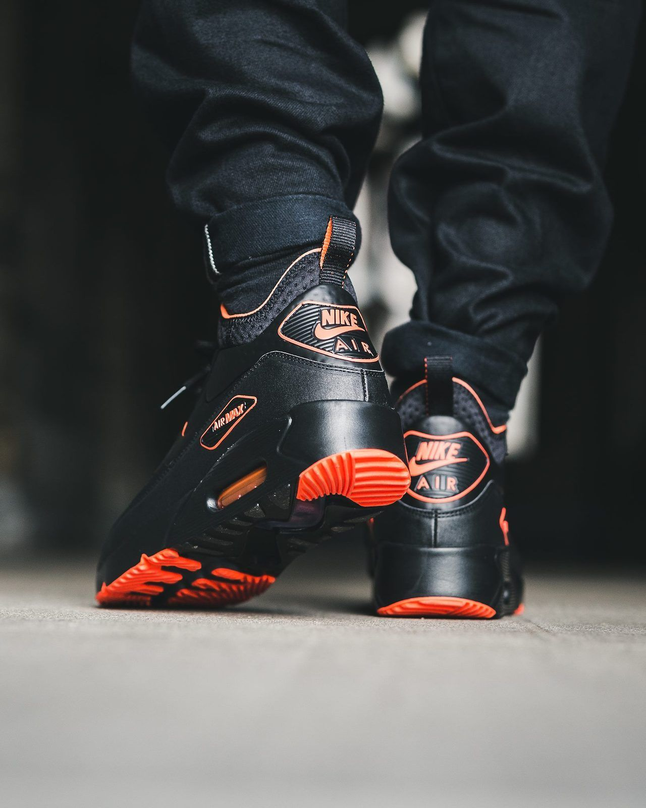 6d10000757 NIKE Air Max 90 Ultra Mid Winter SE 'Halloween' (via Titolo ...