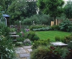 I Felt Immensely Flattered To Be Asked By A Professional Garden Photographer To Design Her Gard English Country Gardens Country Gardening Country Garden Design