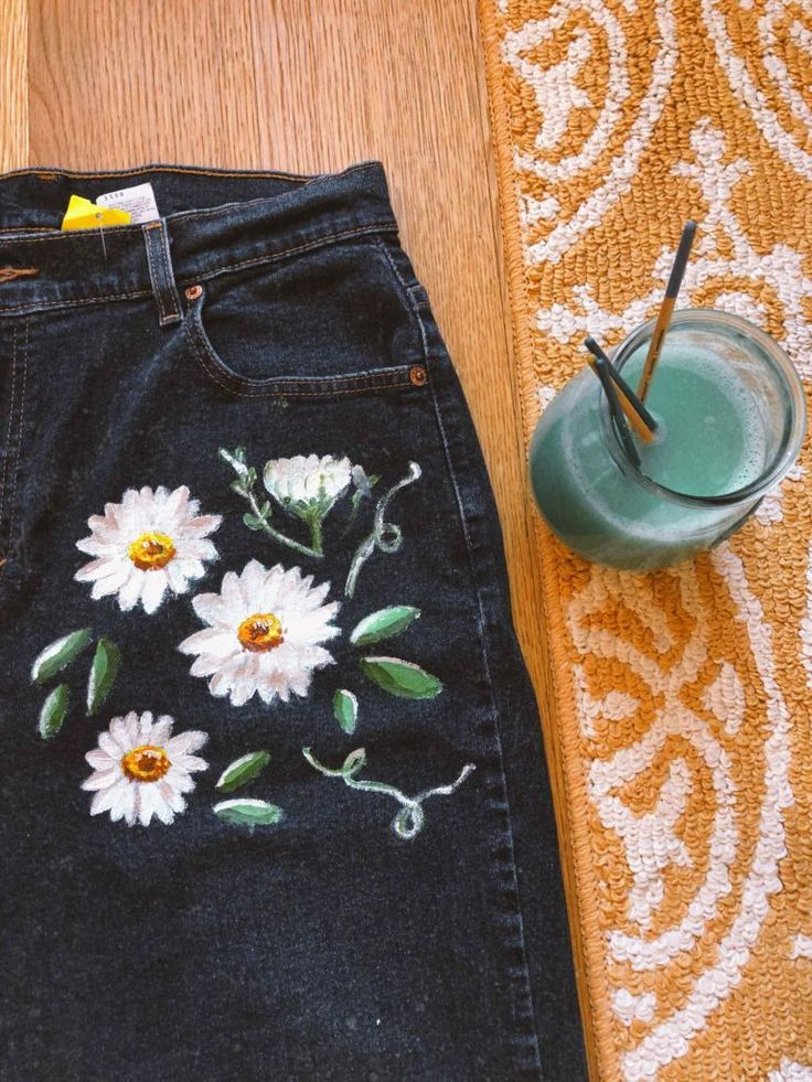 painting on jeans - #Jeans #Painting #vetement #diyclothes