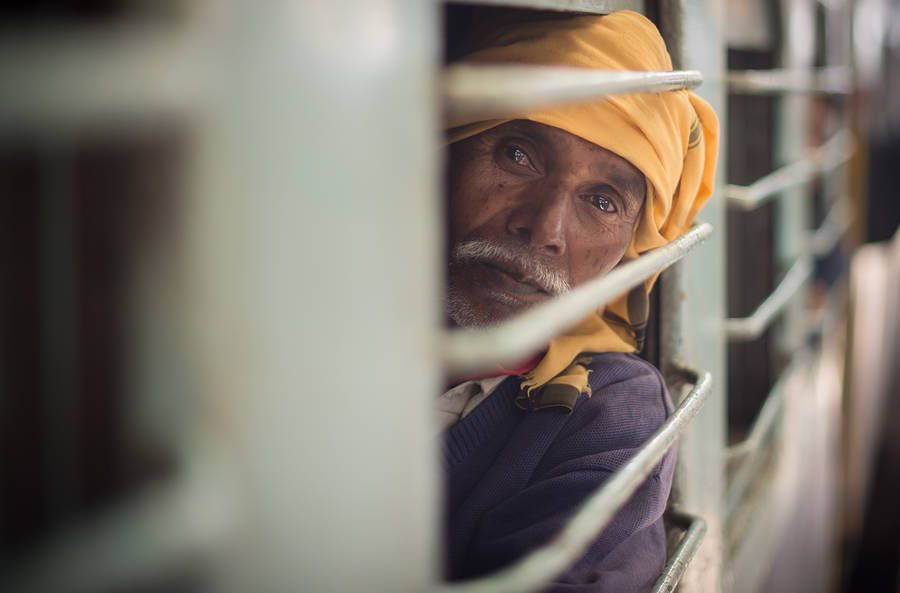 Fascinating Portraits of Passengers of a Train to Jaipur