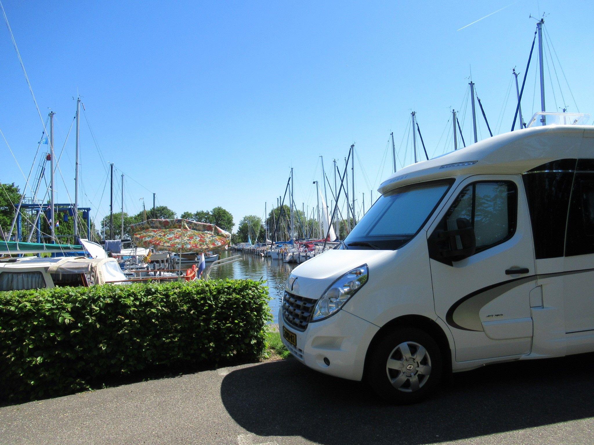Camperplaatsen Jachthaven En Camping Lutsmond Balk Camping Wassersport