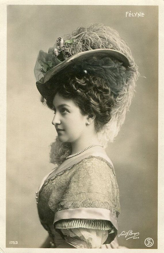 Victorian French Hand Tinted Photo Postcard Of Actress, Miss Felyne With A…