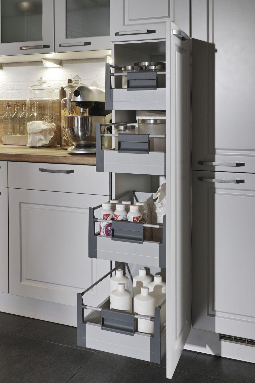 Hochschrank mit einzelnen Auszügen  Oberschrank küche