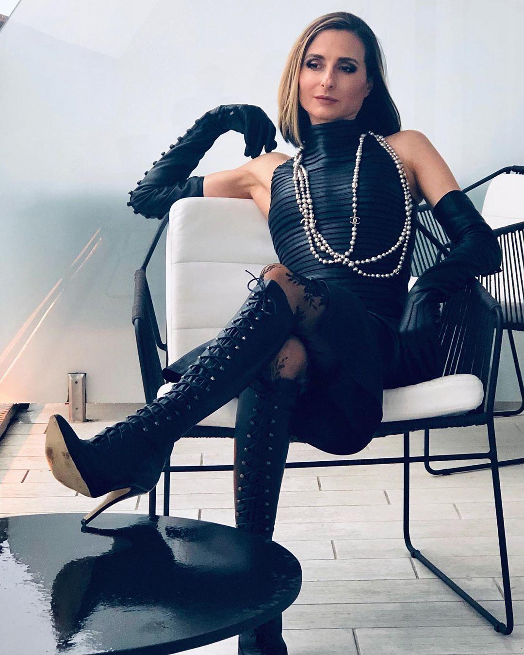 Boots mistress in Mistress Cruella