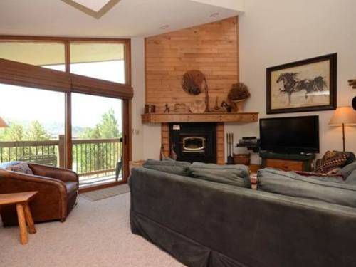 Ranch at Steamboat - RA510 Steamboat Springs (Colorado) Located in Steamboat Springs, Ranch at Steamboat - RA510 is an apartment featuring an outdoor pool. The apartment is 800 metres from Steamboat Ski Resort. Free WiFi is available throughout the property.