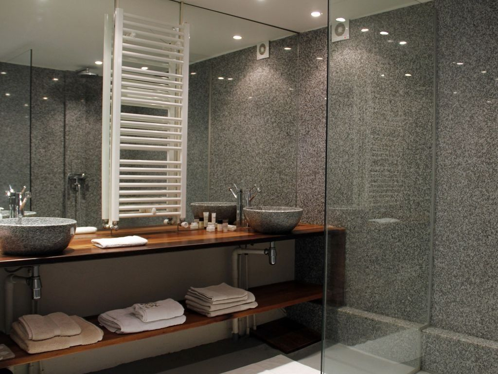 Website Photo Gallery Examples Bathroom Accessories In Ces in plum