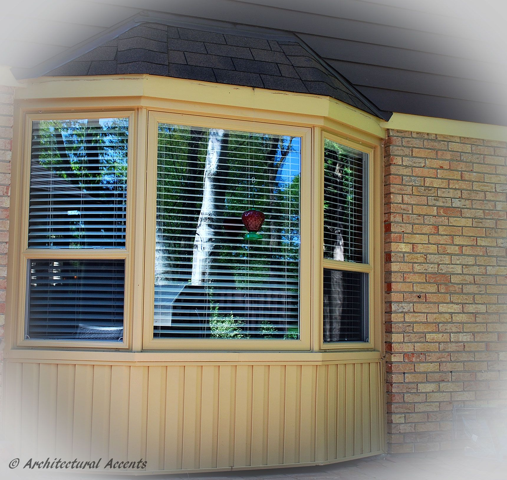 Bay windows exterior view - Bay Window With Single Hung Windows On The Sides And Fixed Window In The Middle