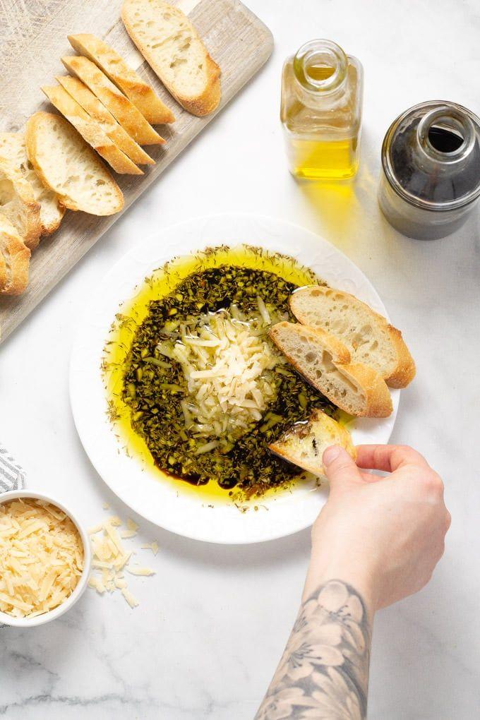 Olive Oil & Balsamic Vinegar Bread Dip