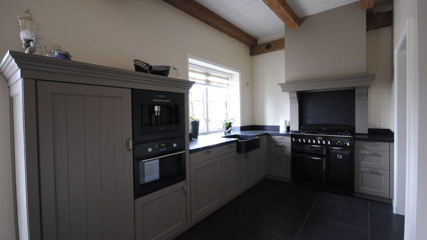 Landelijk Keuken Taupe : Taupe grijze kleur keuken Идеи для кухни kitchen kitchen