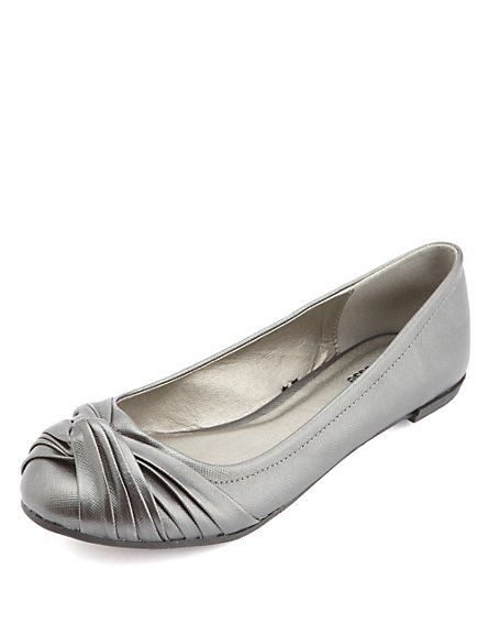 Ruched & Knotted Ballet Flats: Charlotte Russe