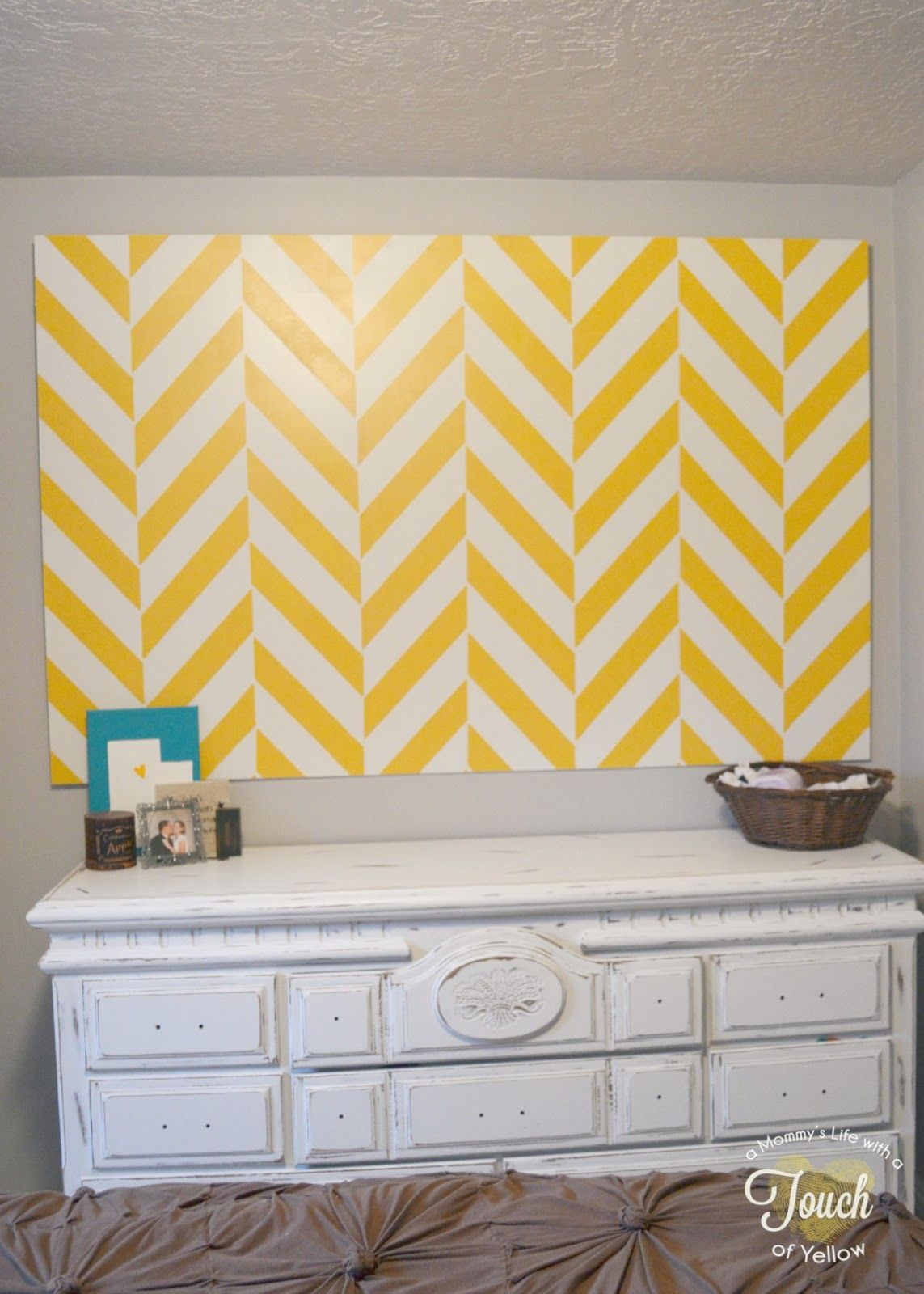 A mommy\'s life...with a touch of YELLOW: Stenciled Wall Backdrop ...