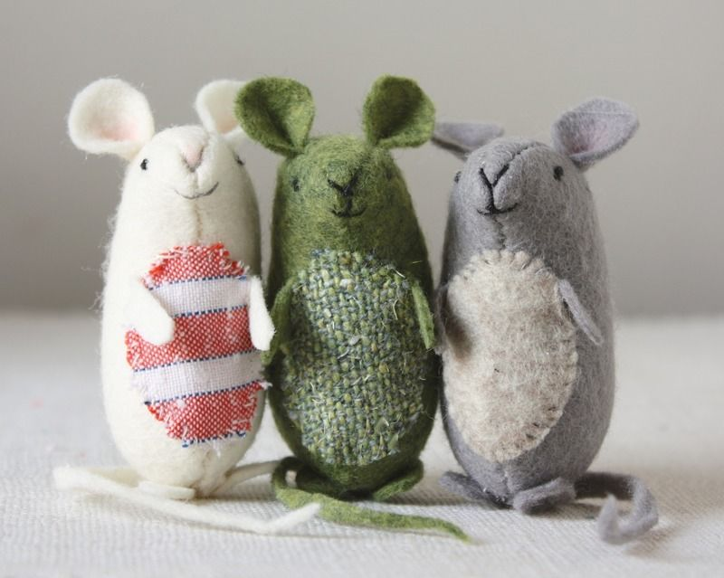 cute mice - pattern and instructions | Sewn into it | Pinterest ...