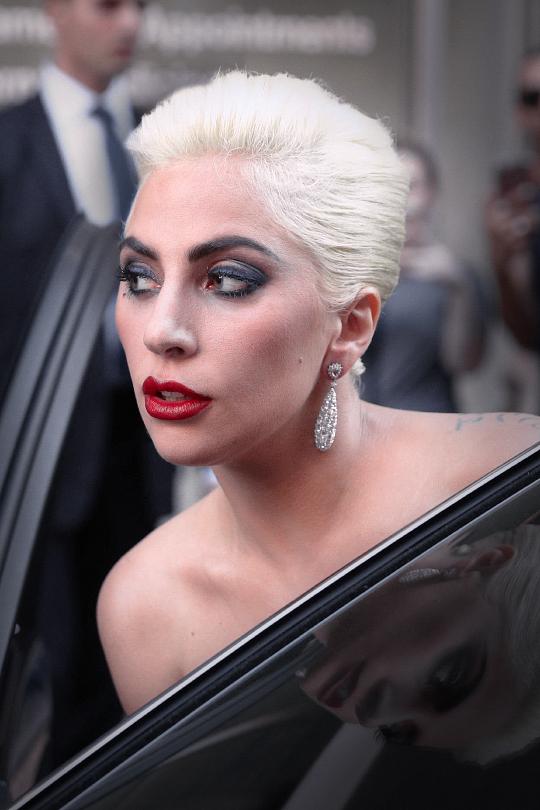 Beautiful Even With Short Hair Lady Gaga Pictures Lady Gaga Photos Lady Gaga