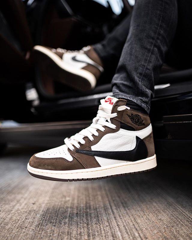 Jordan 1 Retro High Travis Scott In 2021 Nike Air Shoes Travis Scott Shoes Hype Shoes