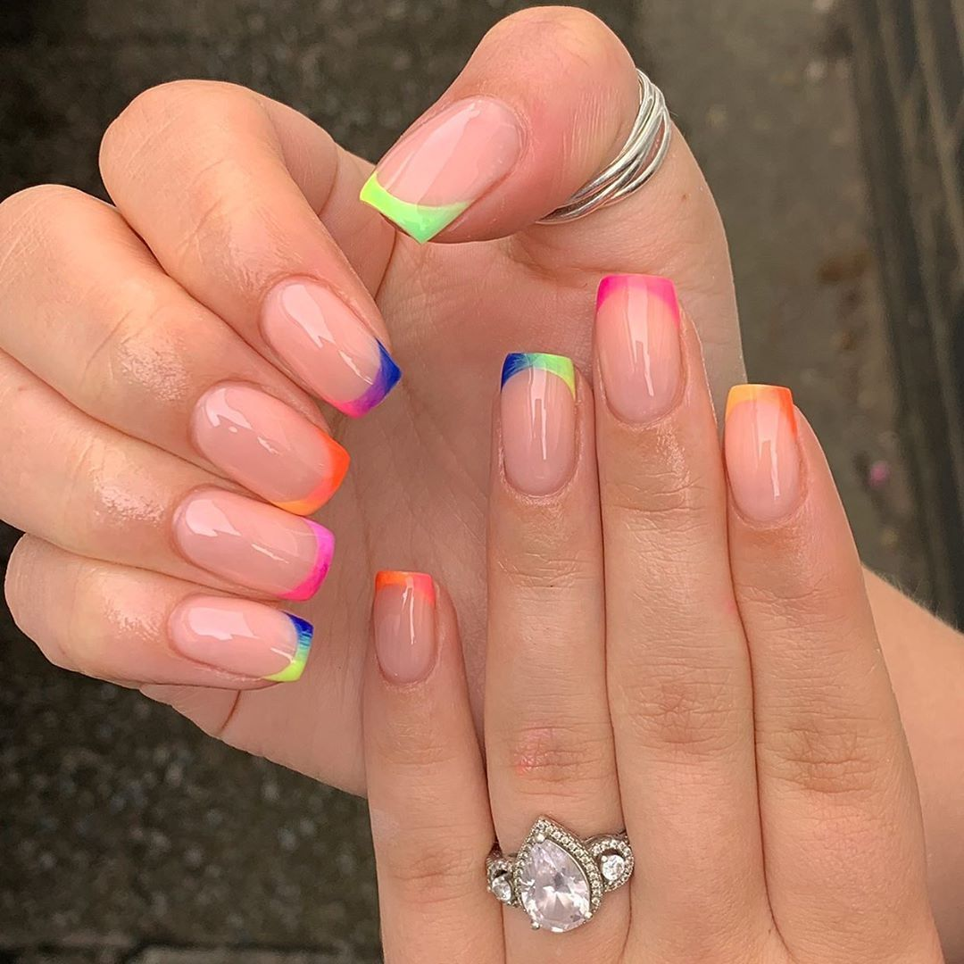 Harriet Westmoreland On Instagram Gradient Tips Done With Gel Polish By The Gelbottle Inc Anouskaan In 2020 Natural Nails Short Nails Art Rose Gold Nails Design