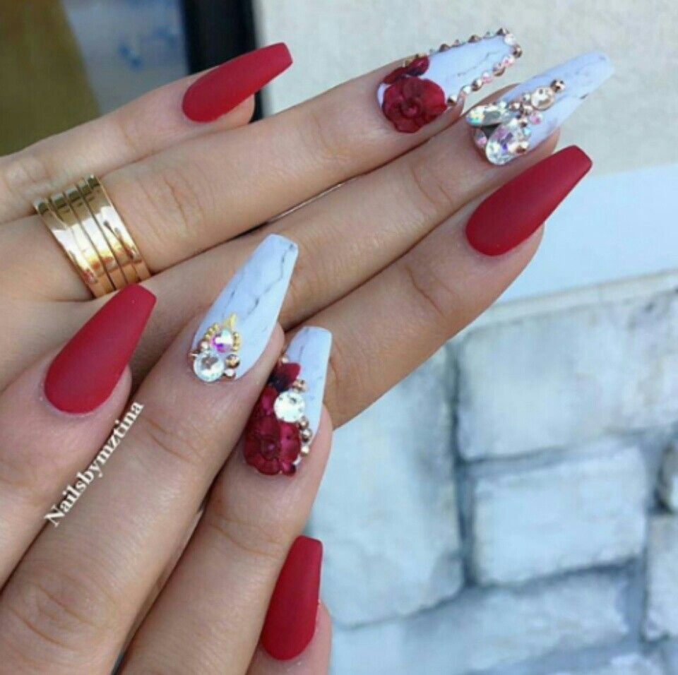 Pin by TORI 🌸 on ɴαιls. | Pinterest | Check, Pedicure nail ...