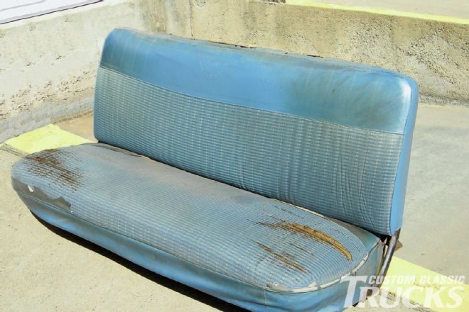 1965 Ford F 100 Bench Seat Restoration Custom Classic Trucks Diy Bench Seat Jeep Seats Car Interior Diy