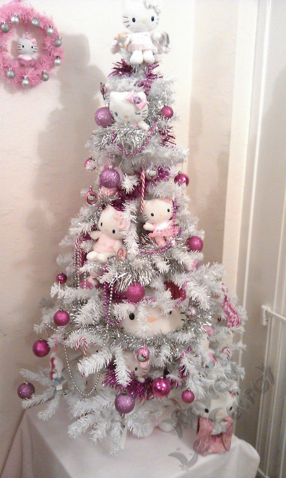 Hello Kitty Christmas Tree.Staying Super Kawaii By Tartan Le Cuirot Tis The Season To