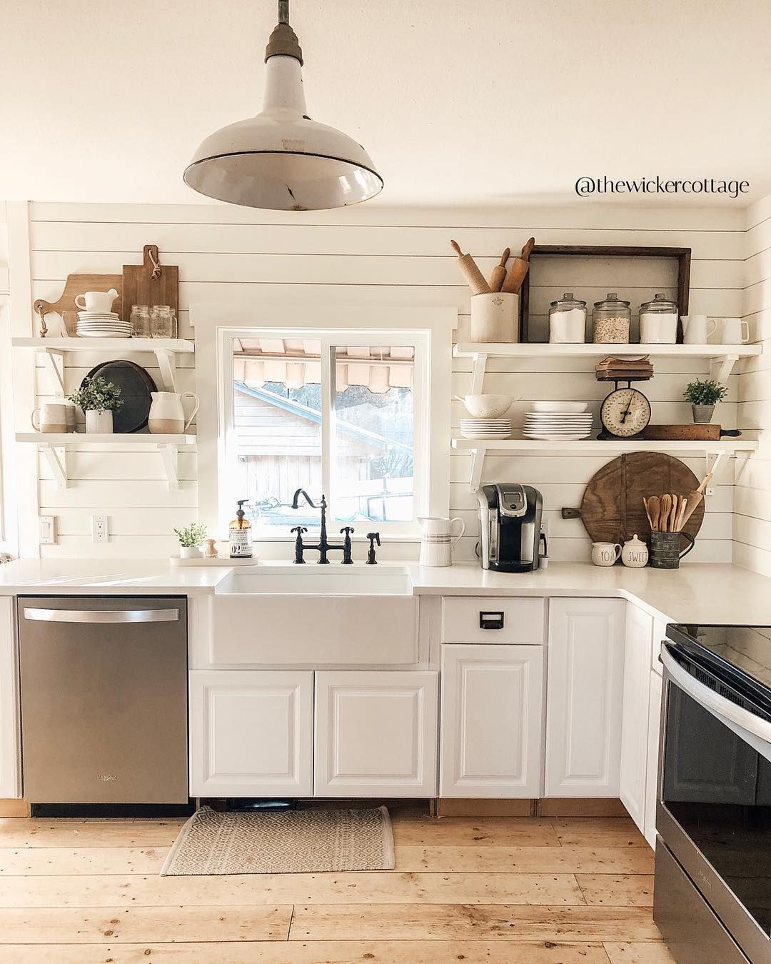 Farmhouse Fanatics On Instagram Who Doesn T Love A Whitekitchen Thewickercottage Helll Rustic Kitchen Rustic Kitchen Design Kitchen Trends