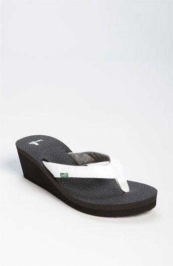 85731e8a2 Sanuk  Yoga Mat  Wedge Flip Flop
