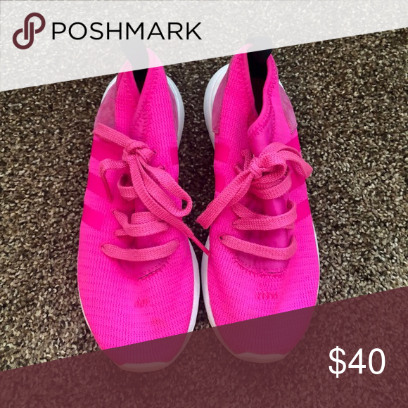 Adidas hot pink shoes | Hot pink shoes