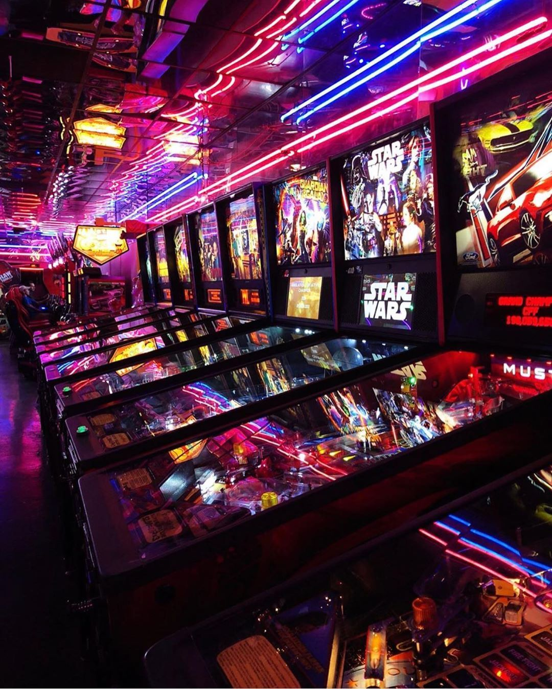Neon Retro Arcade Games Table Playing Synthwave New Retrowave Retro Arcade Games Retro Arcade Arcade