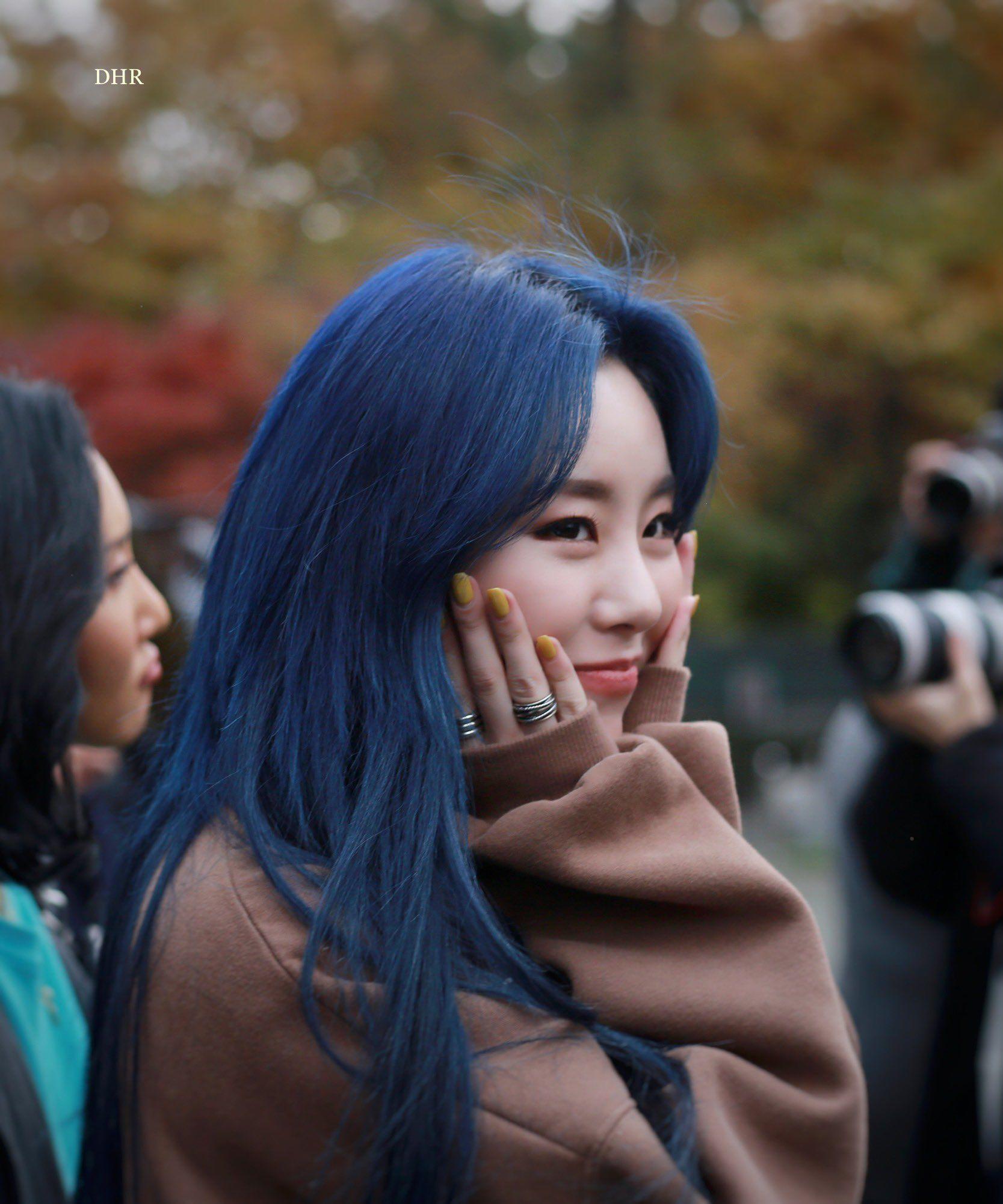 Wheein Pics On Twitter Kpop Hair Color Kpop Hair Blue Hair
