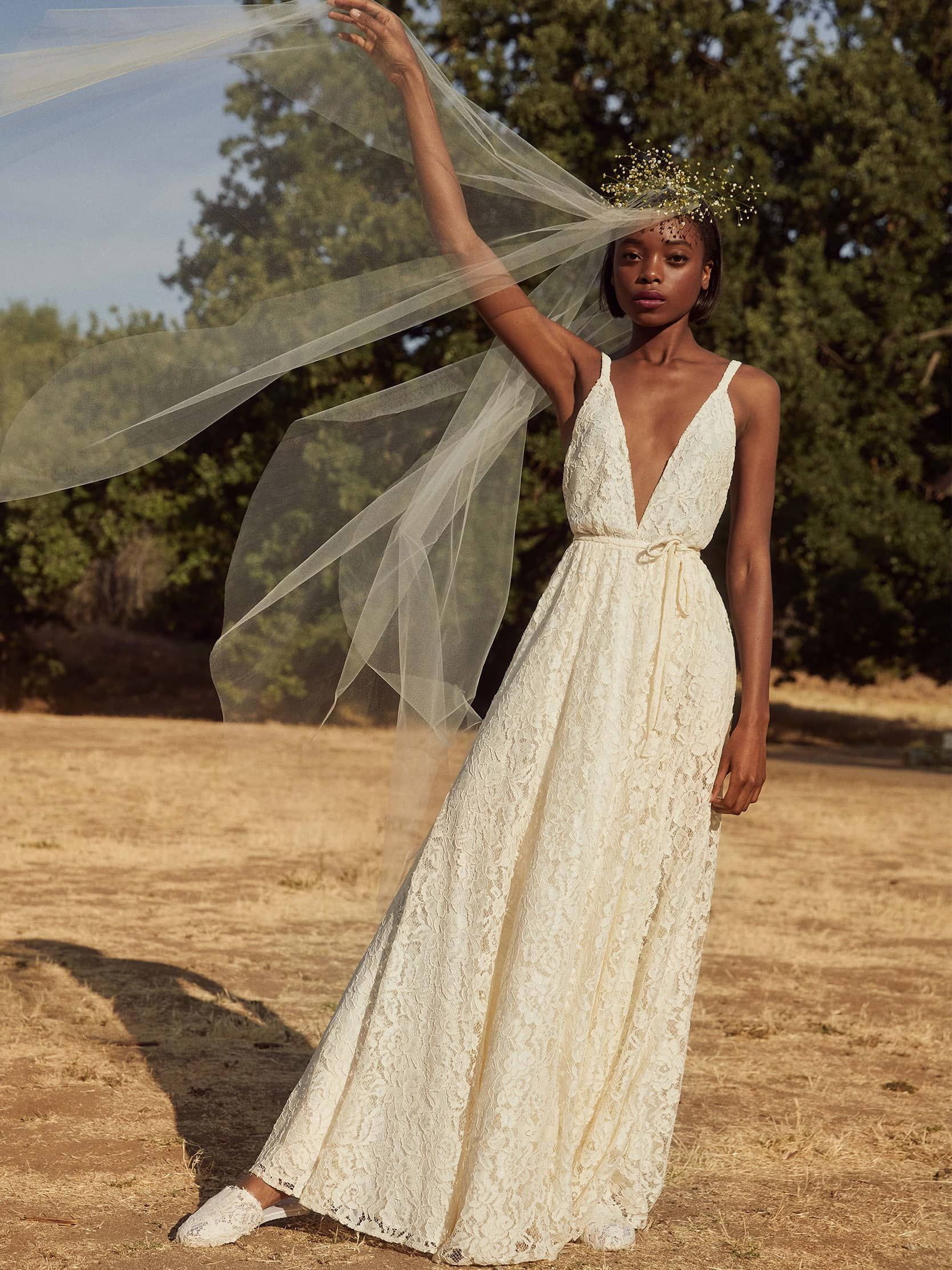 Beach Wedding Dresses For Every Type Of Bride In 2019 High Street Wedding Dresses Summer Wedding Dress Affordable Wedding Dresses [ 2224 x 1668 Pixel ]