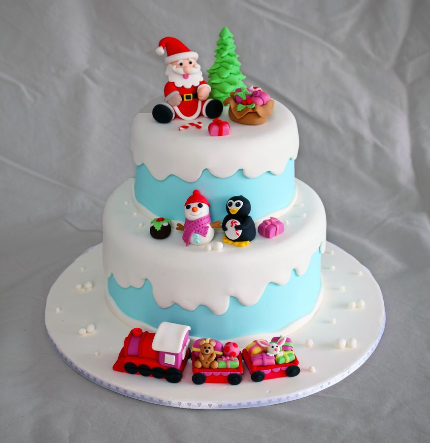 Winter Themed Christmas Decorations: Winter Themed Christmas Cake Complete With A Jolly Snowman