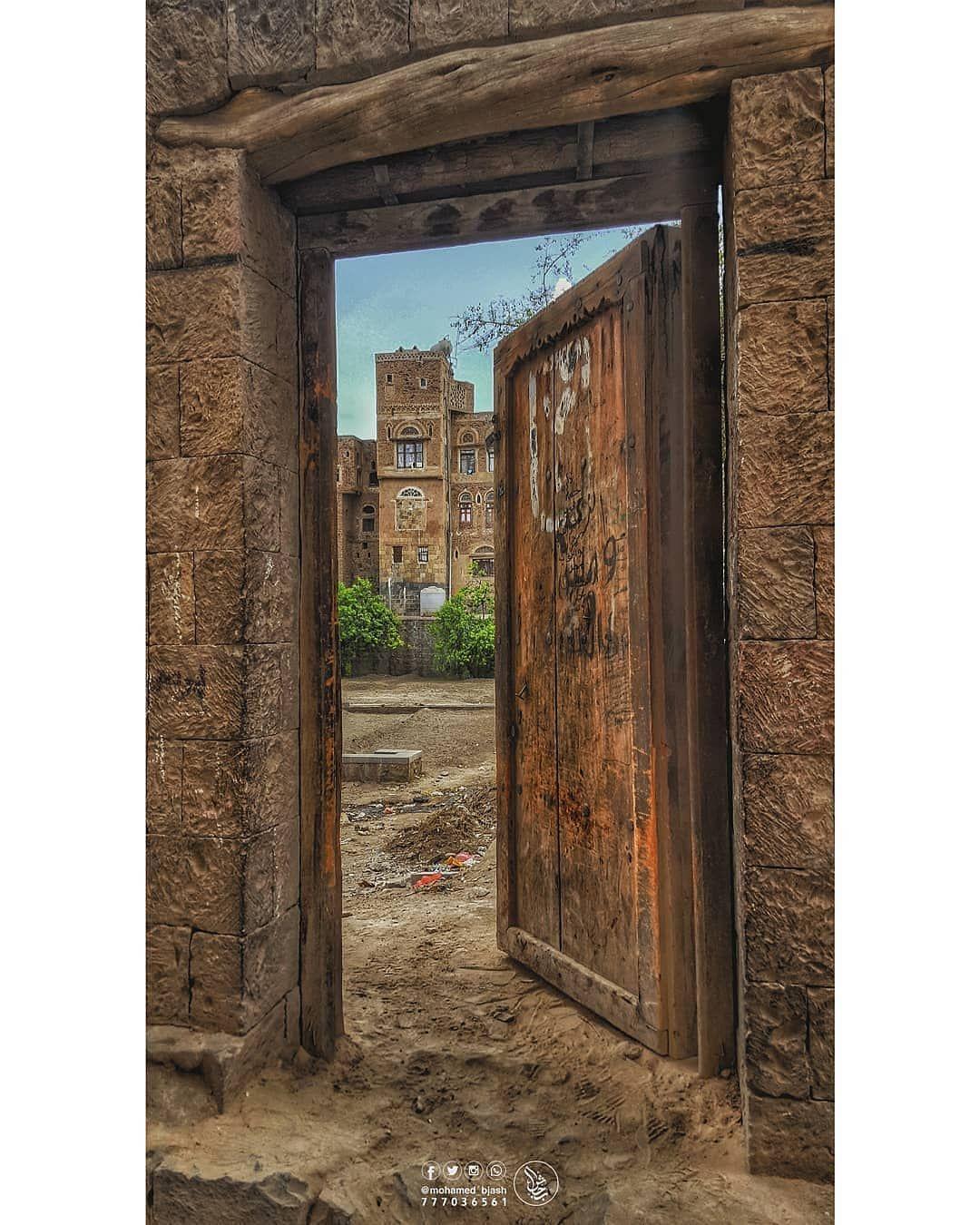 اليمن السعيد On Instagram صنعاء هل هطلت من كتاب الأساطير أم طلعت من غناء البنفسج أم حملتها المواويل من نبع Home Decor Decor Fireplace